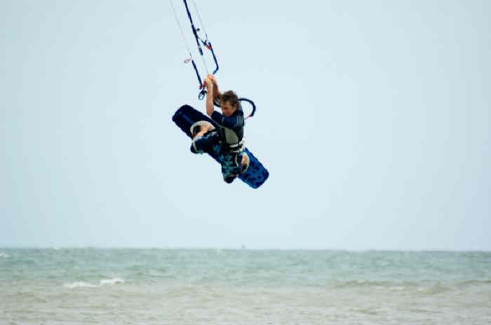 Push Kiting - Kitesurfing - Lessons in Suffolk