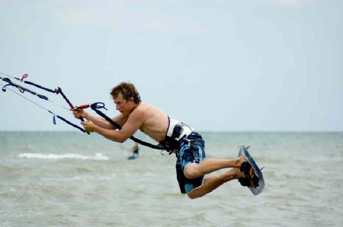 Push Kiting - Kitesurfing - Lessons in Essex near london