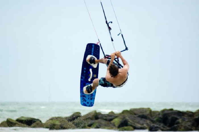 Push Kiting - Kitesurfing - David Ursell - Slim chance