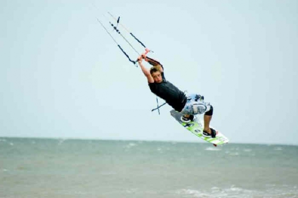 Kitesurfing lessons in Norfork