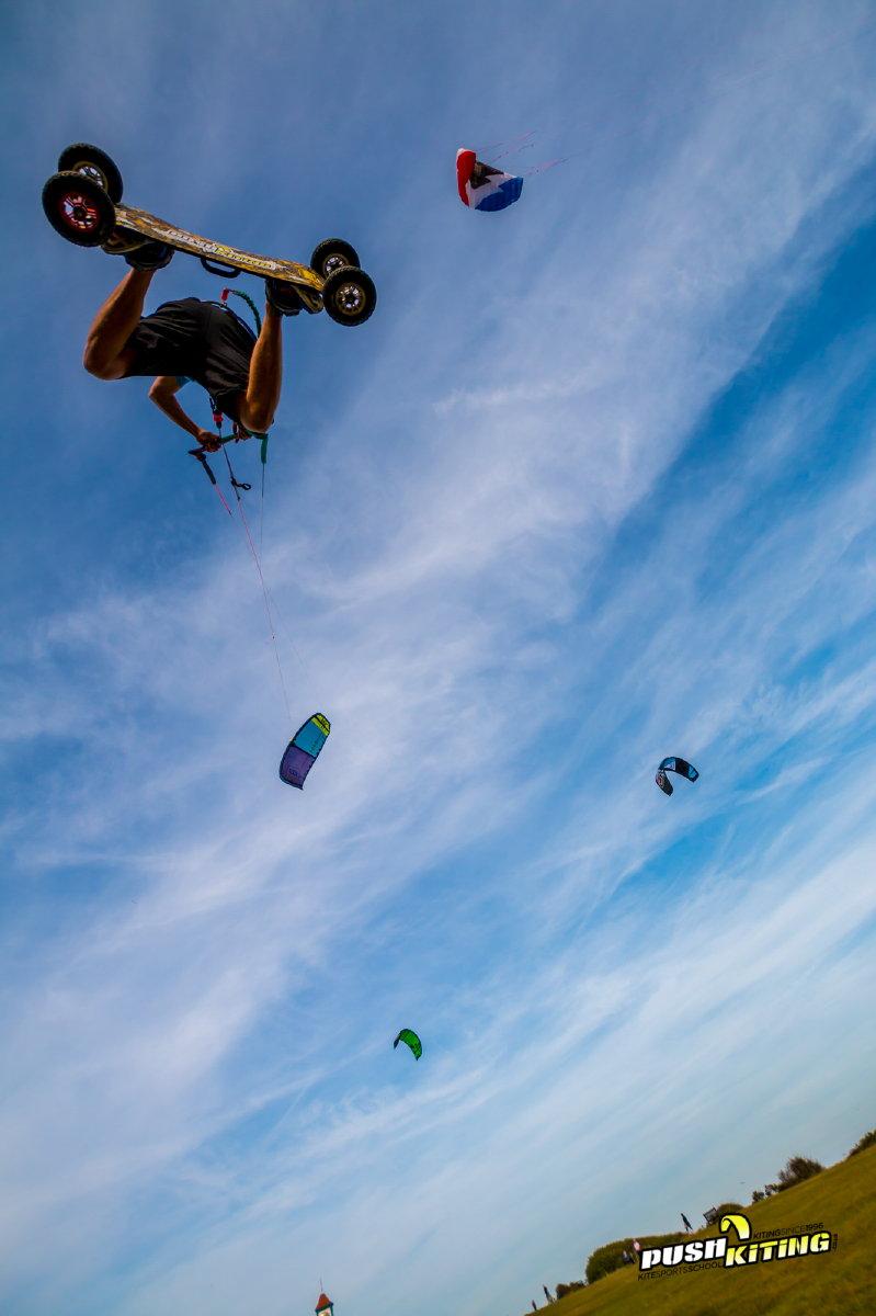 Over head kite loop on land