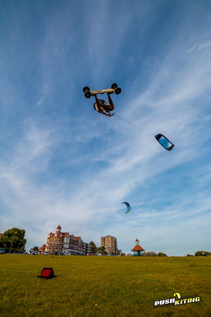 AJ Megalooping kite land boarding