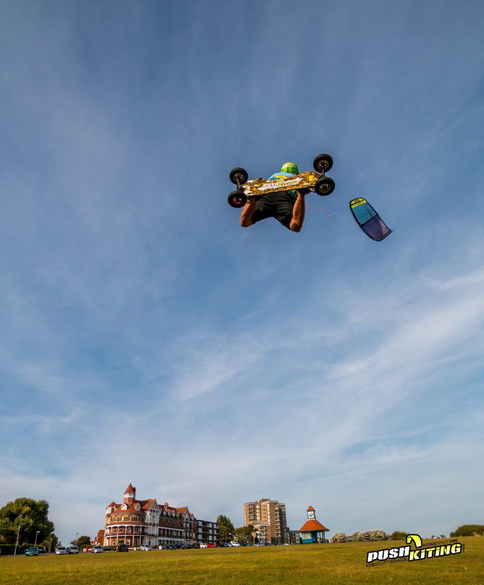 Kite loop on land by David Ursell